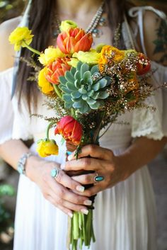 This is my bouquet. -'I'm in the Sky' – A Hippy Inspired Styled Shoot