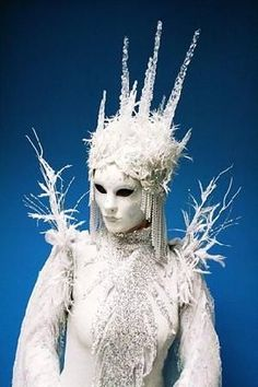 """Venetian mask here with a pearl """"wig"""" and an icicle headpiece and shoulder-pieces. The whole costume makes for a very alien, frozen, scary snow queen. Halloween Makeup, Halloween Costumes, Fairy Costumes, Olaf Halloween, Snow Queen Costume, Ice Princess Costume, Princess Tutu, Charlie Brown Jr, Costume Venitien"""
