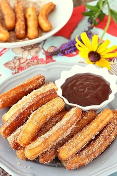 Here's the recipe for light Thermomix baked churros, tasty churros, also known as chichis, crispy and so easy to make with thermomix. They are perfect to serve for an original snack with a chocolate sauce or salted butter caramel sauce. Thermomix Desserts, Healthy Desserts, Dessert Recipes, Cooking Chef, Cooking Recipes, Traditional Mexican Desserts, Desserts With Biscuits, Food Humor, Pinterest Recipes