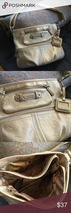 ✨ Like new! Tyler Rodan champagne shoulder bag ✨ Excellent quality & brand, pristine - used maybe twice, just not carrying larger bags as much ... Adjustable, so both shoulder and crossbody. Subtle champagne color with silver hardware - great versatility, works with denim to designer! ✨ Bundle discount, and bundle offers now too, so do peek at my other listings! Tyler Rodan Bags