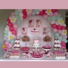 Inspire sua Festa ® | Blog Festa e Maternidade 1st Birthday Parties, Girl Birthday, Birthday Decorations At Home, Strawberry Shortcake Party, Cupcake Party, First Birthdays, Party Time, Balloons, Baby Shower