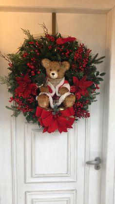 Wreath Crafts, Diy Wreath, Flower Crafts, Decor Crafts, Diy Crafts, Christmas Lanterns, Christmas Diy, Christmas Decorations, Christmas Ornaments