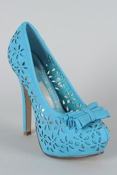 Cabel Bow Perforated Floral Pump... turquoise, green, pink, black or beige #urbanogsummer