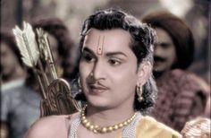 Nageshwara Rao death: Celebrities mourn on Twitter  http://www.thehansindia.com/posts/index/2014-01-22/Nageshwara-Rao-death-Celebrities-mourn-on-Twitter-83096