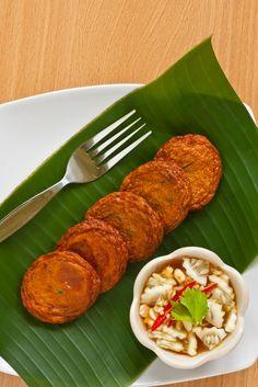 Thai Fish Cakes with Cucumber Relish Recipe (Tod Man Pla) | Temple of Thai