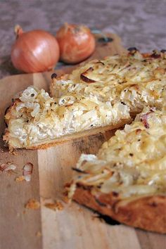This classic German onion tart is the perfect dish for a cozy night in. Enjoy the mix of onions, bacon, and crème fraiche in every delicious, savory slice. Savoury Slice, Savory Tart, Creme Fraiche, Tart Recipes, Cooking Recipes, Soup Recipes, Recipies, German Appetizers, Onion Tart