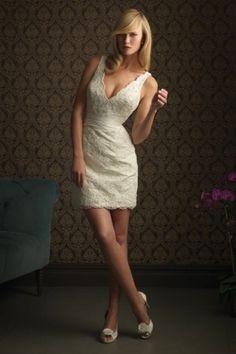 Sexy V-neck Lace Short Wedding Dress