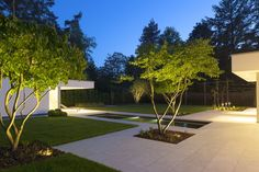 10 Best Garden Lighting Ideas for Exterior Lighting 2019 - New Decoration Contemporary Garden Design, Landscape Design, Modern Design, Modern Landscaping, Backyard Landscaping, Landscape Lighting, Outdoor Lighting, Back Gardens, Outdoor Gardens