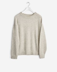 Loose fit classic knitted pullover in soft wool alpaca stretch knit. Soft and calm melange colours in sophisticated hues.  <br><br> - Wool Alpaca mix knit<br> - Loose fit<br> - Generous sleeves<br>