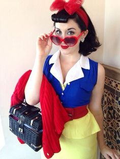 Pin for Later: 11 Sexy Halloween Costumes You Can Pull Off in Your Snow White Disney princess Snow White gets a sexy twist with this outfit that shows off your curves. Classy Halloween Costumes, Disney Princess Halloween Costumes, Snow White Halloween Costume, Halloween Kostüm, Halloween Cosplay, Sexy Snow White Costume, Disney Costumes For Women, Snow White Cosplay, Princess Costumes