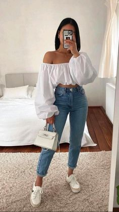 Crop Top Outfits, Basic Outfits, Teen Fashion Outfits, Mode Outfits, Retro Outfits, Girly Outfits, Cute Casual Outfits, Stylish Outfits, Cute Jean Outfits