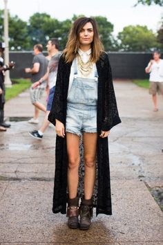 Layer it On with a Floor Length Cardigan! Some styling inspiration from Lollapalooza 2014 Street Style Photos via for the AKIRA Floor Length Knit Denim Fashion, Fashion Photo, Fashion Outfits, Women's Fashion, Festival Looks, Flannel Outfits, Fall Outfits, Sport Outfits, Cochella Outfits