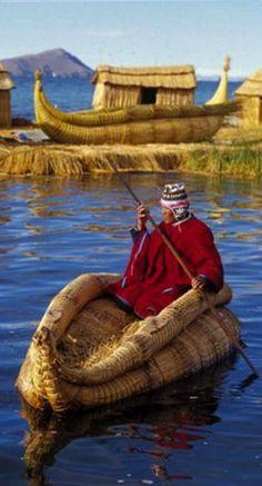 Navigating on Lake Titicaca in Bolivia • photo: Franz Gamaliel Churata Flores on Peruvian Embassy United Kingdom