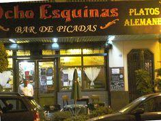 """""""""""Bar 8 Esquinas"""""""" Data de 1920 ubicada en Av. Forest al 1100 (Chacarita) En sus comienzos solo era cafe-bar, donde recibian a los celebres hermanos Espositos, Homero Manzi, Julian Centeya y el """"""""maestro"""""""" Osvaldo Pugliese(representantes del tango Argentino). En 1970, este bodegon incorpora, el encanto de fiambres y comidas alemanas. Es el 1° lugar de Buenos Aires, que conserva, su espiritu y esencia tanguera."""