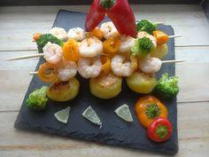 Czary w kuchni- prosto, smacznie, spektakularnie.: Pieczone mini ziemniaki serwowane obok szaszłyków ... Sushi, Seafood, Ethnic Recipes, Sea Food, Sushi Rolls, Seafood Dishes