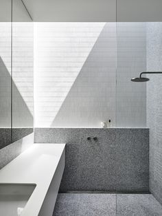McNamara House by Tom Robertson Architects Australian Architecture, Australian Homes, Interior Architecture, Future House, Rammed Earth Homes, Home Office, Loft, Bathroom Interior Design, House In The Woods