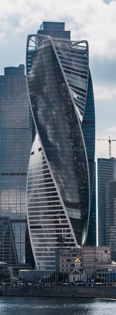 Architecture with Twist : Evolution Tower (Moscow, Russia) > Architect: Gorproject, RMJM > Height: 807 feet > Year built: 2015 - 16.