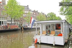 Romantic Prinsengracht Houseboat in Amsterdam