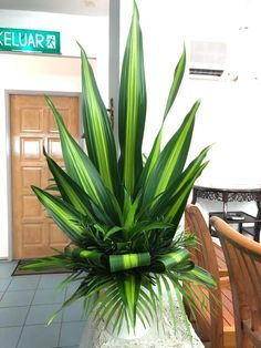 Discover thousands of images about Lent, Week Ida Contemporary Flower Arrangements, Tropical Flower Arrangements, Creative Flower Arrangements, Flower Arrangement Designs, Church Flower Arrangements, Beautiful Flower Arrangements, Beautiful Flowers, White Flowers, Altar Flowers