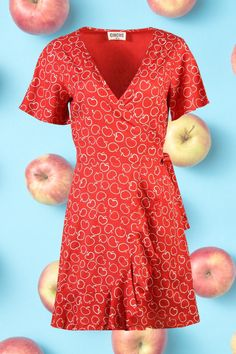 A selection of our Irish Designed 🍏 Vintage Inspired 🍓 & Ethically Made 🍍 Summer Dresses 👗 Vintage Inspired Dresses, Vintage Style Outfits, Vintage Dresses, 1940s Fashion, Vintage Fashion, Good Earth India, Irish Design, Apple Prints, Made Clothing