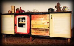 """Il Mobilaccio presenta """"La Credenza Saloon"""" ideale per un arredamento singolare in casa tua!!!! Ideale per arredare un locale di ristorazione, un posto comodo riporre utensili, piatti, posate, tovaglie eccetera."""
