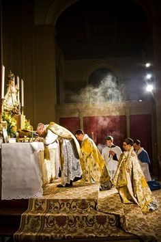 Mass Appeal: How the Traditional Mass Engages All Five Senses
