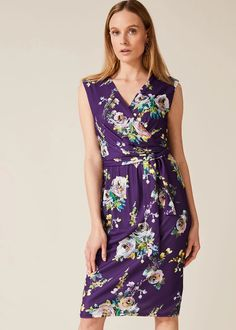 With its vibrant print and flattering ruched bodice, this is the kind of versatile floral dress every woman needs in her wardrobe. Phase Eight Sell Wedding Dress, Colored Wedding Dresses, Ankara Dress Designs, Ankara Styles For Men, Phase Eight Dresses, Dress Shapes, Dress Picture, Free People Dress, Occasion Dresses