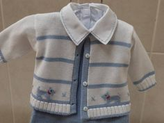 Grey and white baby cardigan no pattern just a suggestion f garden – Mari Munhoz – Join the world of pinHand embroidered maternity output in Swiss stitch motif puppies. - Knitting a loveBest 11 www.c Page 356839970469980973 SkillOfKing. Baby Knitting Patterns, Baby Cardigan Knitting Pattern, Baby Boy Knitting, Baby Clothes Patterns, Knitting Designs, Baby Patterns, Knitting Ideas, Baby Boy Cardigan, Cardigan Bebe