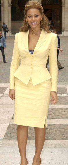afrikanischer stil How to wear yellow blazer ideas Corporate Wear, Business Attire, Business Fashion, Work Fashion, Fashion Outfits, Cheap Fashion, Style Fashion, Fashion Women, Beyonce Style