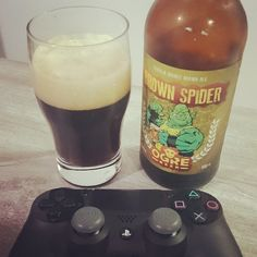 Aperitivo da noite!!!! #beer #cerveja #brownale #ogre #ps4