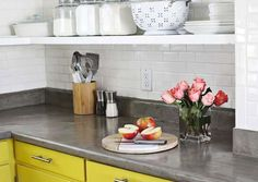 Concrete Countertop Cheap Countertops, Laminate Countertops, Kitchen Countertops, Countertop Makeover, Kitchen Cabinets, Cuisines Diy, Cuisines Design, Poured Concrete Countertop, Concrete Kitchen