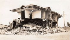 Photo taken after the 1931 Napier Earthquake. By The Crown Depot, Wanganui. Nz History, Chur, Bay Area, New Zealand, Postcards, Roots, Crown, House Styles, Corona