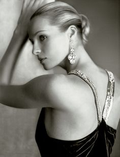 Give the gift of timeless glamour with luxurious collections from Ralph Lauren Fine Jewelry