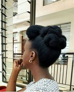 Trendy natural hair updos for black women beauty ideas Natural Hair Wedding, Natural Wedding Hairstyles, Natural Afro Hairstyles, Natural Hair Braids, Pelo Natural, Natural Hair Styles For Black Women, My Hairstyle, Natural Hair Inspiration, Protective Hairstyles