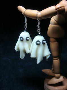 67 ideas of original earrings Bijou Halloween, Polymer Clay Halloween, Cute Polymer Clay, Cute Clay, Fimo Clay, Polymer Clay Projects, Polymer Clay Charms, Polymer Clay Creations, Polymer Clay Earrings