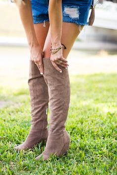 24318a8118c Shorts + Over-the-Knee Boots