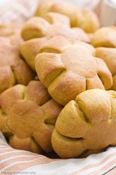 Pumpkin Cheese Bread Rolls