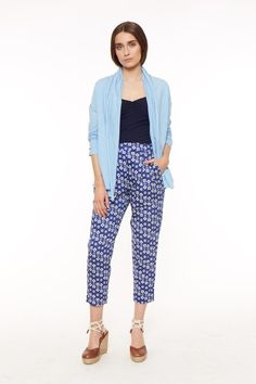 Blue open slub cardigan in 100% organic certified cotton. Length 67cm.