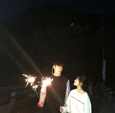 Sweet romance ulzzang couple at nighT //. Korean Couple, Best Couple, Korean Girl, Korean Best Friends, Boy And Girl Best Friends, Ulzzang Couple, Ulzzang Girl, Friend Pictures, Couple Pictures