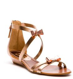 Mini wedge with metal bow from Uterque Low Heel Sandals, Flat Sandals, Low Heels, Shoes Sandals, Flat Shoes, Huarache, Wedding Shoes, Casual Outfits, Boots