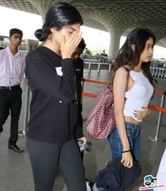 Khushi and Jhanvi Kapoor Picture Gallery image # 353862 at Stars Spotted 2017 containing well categorized pictures,photos,pics and images. Beautiful Indian Actress, Beautiful Actresses, Bollywood Fashion, Bollywood Actress, Bollywood Stars, Hot Actresses, Indian Actresses, Fashion Advice, Fashion Outfits
