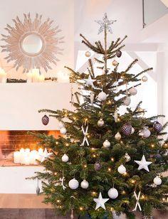 Oh fir tree, oh fir tree! Not only the Christmas baubles hang on the Christmas tree as Christmas tre Rose Gold Christmas Decorations, Christmas Baubles, Seasonal Decor, Holiday Decor, Navidad Diy, Christmas Room, Fir Tree, Craft, Gold Christmas