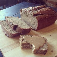 Ripped Recipes - Paleo Banana Bread - Such a moist and easy to make banana bread, you will be surprised how healthy it is for you! Nut Recipes, Clean Recipes, Real Food Recipes, Yummy Food, Paleo Food, Paleo Diet, Healthy Cooking, Cooking Tips, Banana Bread Recipie