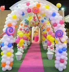 Be a guest at your own event. Because in your dreams, every detail matters! Candy Theme Birthday Party, Candy Land Theme, Girl Birthday Decorations, Candy Party, Balloon Decorations, 1st Birthday Parties, Candy Land Decorations, Carnival Birthday, Deco Ballon