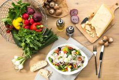 MISTA   Verschiedene Blattsalate, Kirschtomaten, Karotten, Radieschen, Zucchini, rote Zwiebeln, Champignons, Lauchzwiebeln, Gurken, Paprika und Grana Padano D.O.P.