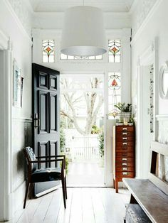 7 design lessons from this Australian home from The Design Files. See decorating ideas from a stunning family-friendly Australian home tour. For more kid friendly decor ideas and home tours go to Domino. Style At Home, Home Interior Design, Interior And Exterior, Modern Interior, Interior Architecture, Black Front Doors, Seattle Homes, Melbourne House, Australian Homes