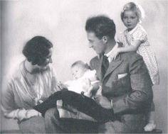 Astrid en Leopold met hun kinderen Josephine Charlotte en Boudewijn