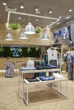 ZINZANE - Plaza Shopping - pkbarquitetura Source by mimimii clothing store Clothing Store Interior, Clothing Store Displays, Clothing Store Design, Fashion Store Design, Fashion Stores, Boutique Decor, Boutique Design, Design Shop, Design Design