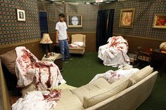diy haunted house ideas and props props in one of the rooms of the Hex House haunted House in Tulsa Casa Halloween, Creepy Halloween, Halloween Projects, Diy Halloween Decorations, Holidays Halloween, Halloween Ideas, Halloween Crime Scene Ideas, Asylum Halloween, Halloween Forum