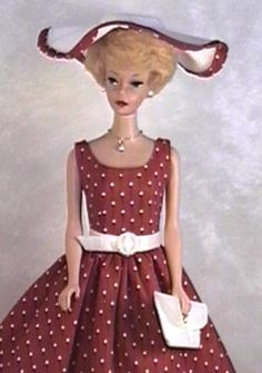 How to put a zipper in doll dresses, how to use patterns for barbie dolls.  Excellent tips